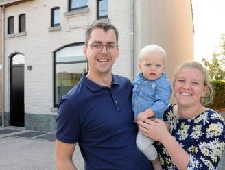 """Floris en Sophie lieten hun opgeknapt huis schatten: """"Met een verkoopprijs van 320.000 euro maken we weinig winst"""""""