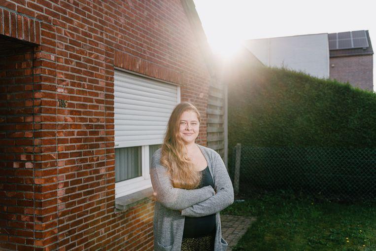 Stefanie Casteels lijdt aan endometriose en heeft sinds haar elfde hevige menstruatiepijn.  Beeld Wouter Van Vooren
