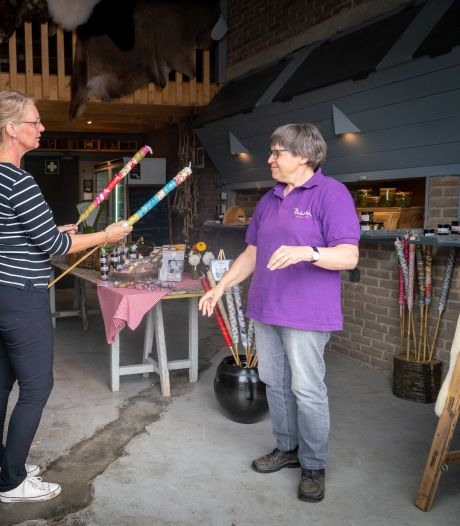 Verstandelijk beperkten runnen nieuwe boerderijwinkel in Park Lingezegen