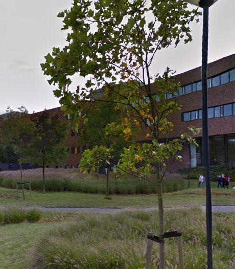 Hoofdgebouw Hogeschool Leiden ontruimd om kapotte waterleiding