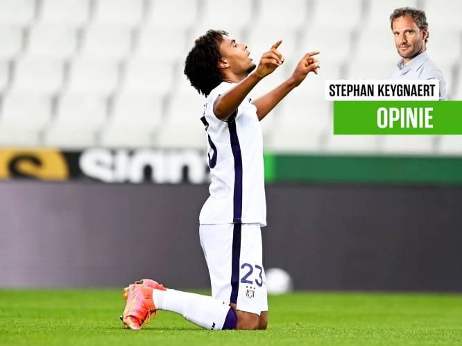"""Onze chef voetbal zag de nieuwe spits van Anderlecht resoluut op het voorplan treden: """"Zirkzee is een baas"""""""