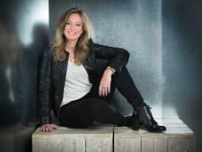 Wegens succes versneld: tweede roman van schrijfster Natascha Hoiting uit Emmeloord over onmogelijke maffialiefde