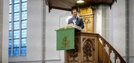 Jörgen Rayman preekt als een leek in Steenwijk: 'Wederzijds begrip is ultieme vorm van liefde'
