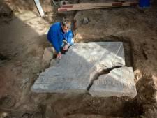 Hoe een nieuwe vloer het verleden terughaalt: familiegraf ontdekt in protestantse kerk in Driel