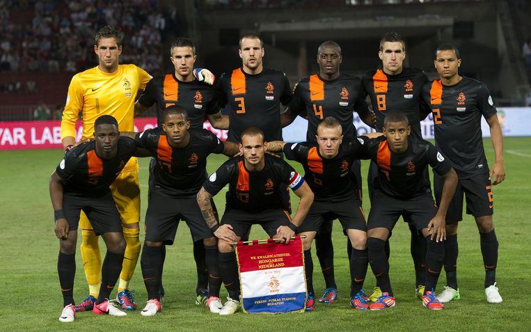 Oranje vlak voor het duel met Hongarije, in Boedapest. Beeld ANP