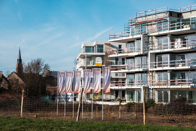 De werkzaamheden aan de appartementen van Rupelzicht lopen vertraging op.