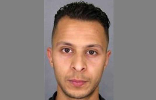 Salah Abdeslam zag er nog net zo uit als op deze foto die vlak na de aanslagen in Parijs werd verspreid.