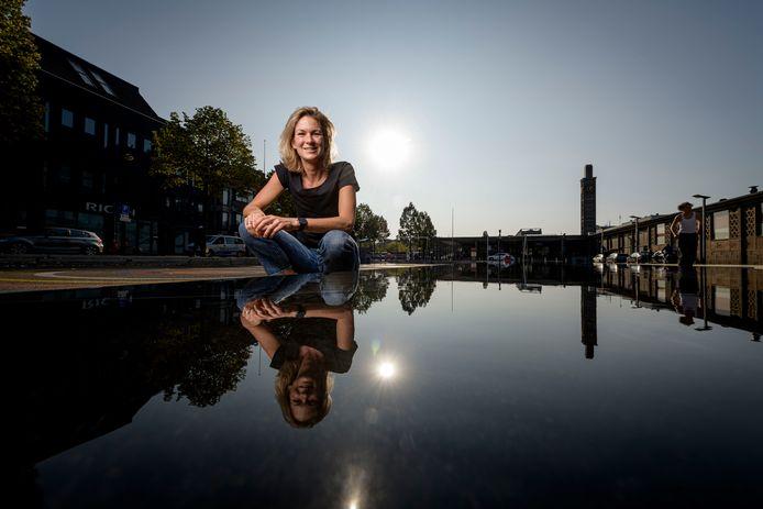 Waterpoloster Rianne Guichelaar, winnaar van olympisch goud in 2008, gaat zich weer beschikbaar stellen voor het eerste team van EZC.
