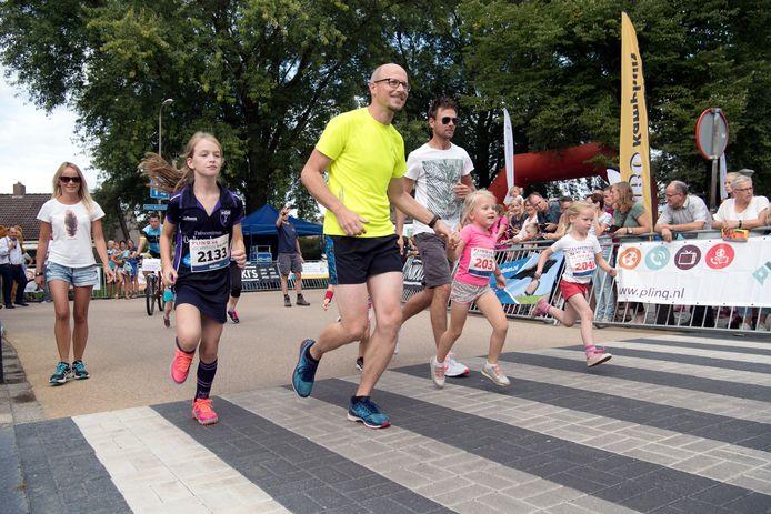 Het Loopfestijn in Dalfsen vorig jaar: voor jong en oud.