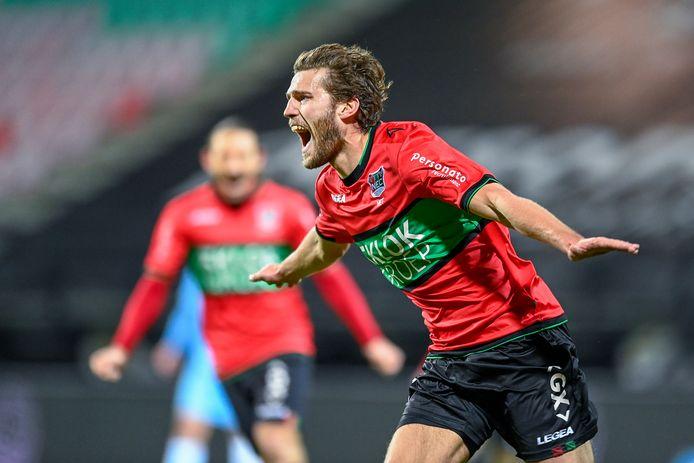 NEC-middenvelder Javier Vet : expert op het gebied van nacompetitievoetbal. Met FC Dordrecht, Almere City én De Graafschap speelde hij de play-offs. Met wisselend succes.