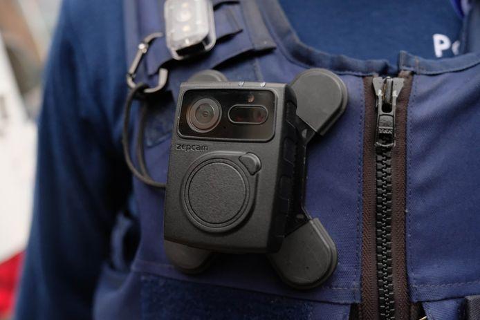 Vanaf 1 december zullen alle eerstelijnsmedewerkers in de politiezone Mechelen-Willebroek een bodycam dragen.