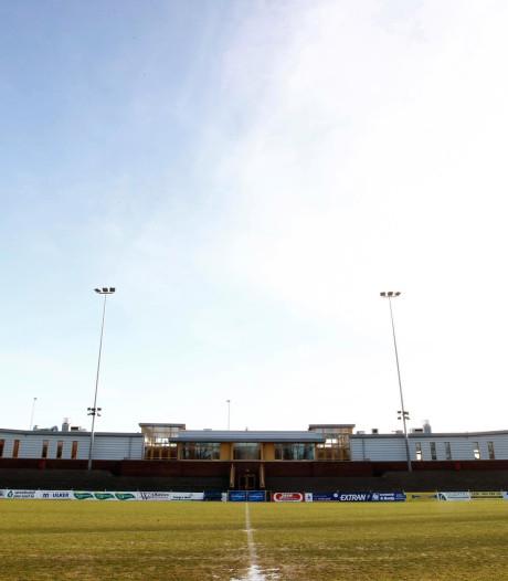 Beladen soccer courts in 's-Gravenzande eindelijk open