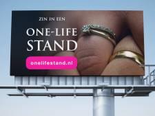 SGP komt met billboard voor huwelijkse trouw en tegen overspel: 'Zin in een onelifestand?'