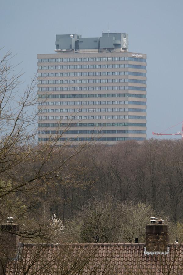 De Erasmustoren op de campus van de Radboud Universiteit in Nijmegen.