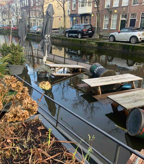 Crowdfunding voor gezonken terrasboot van café de Pakschuit gaat als een speer: streefbedrag al bijna binnen