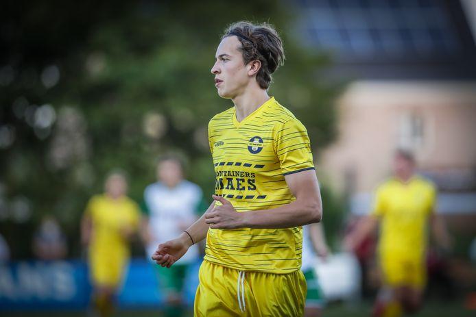 Gilles Schodts één van de grote talenten bij Thes Sport scoorde een knap doelpunt tegen SK Tongeren.
