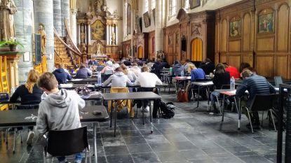 Studenten kunnen weer studeren in Onze-Lieve-Vrouwekerk