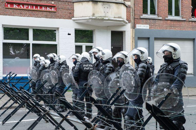 Politievertoon bij de rellen na Beerschot-Wilrijk tegen Antwerp.