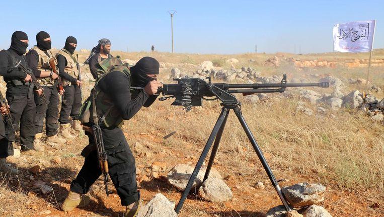 Strijders van het Vrije Syrische Leger in Aleppo, de rebellen worden gesteund door de VS. Beeld afp