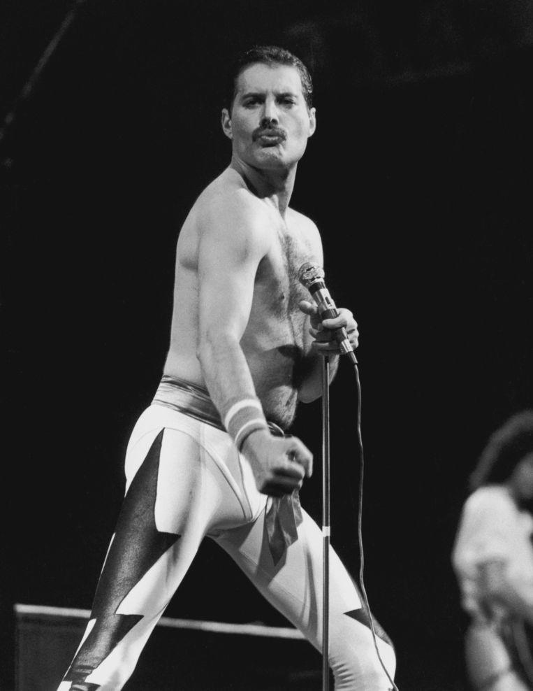 Freddie Mercury tijdens een optreden van Queen in Rio de Janeiro in 1985. Beeld Getty Images