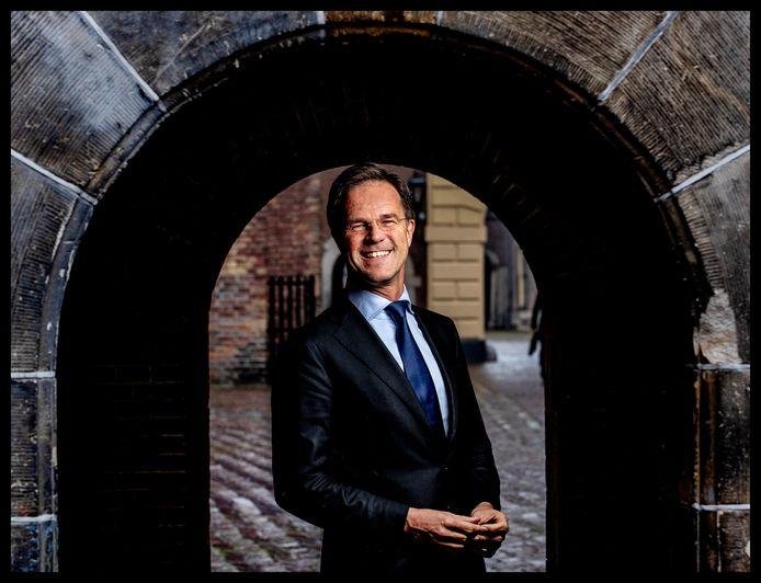 Portret van premier Mark Rutte op het Binnenhof in Den Haag.