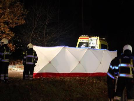 Dode en vier gewonden bij ongeluk op A59 bij Rosmalen, weg is dicht