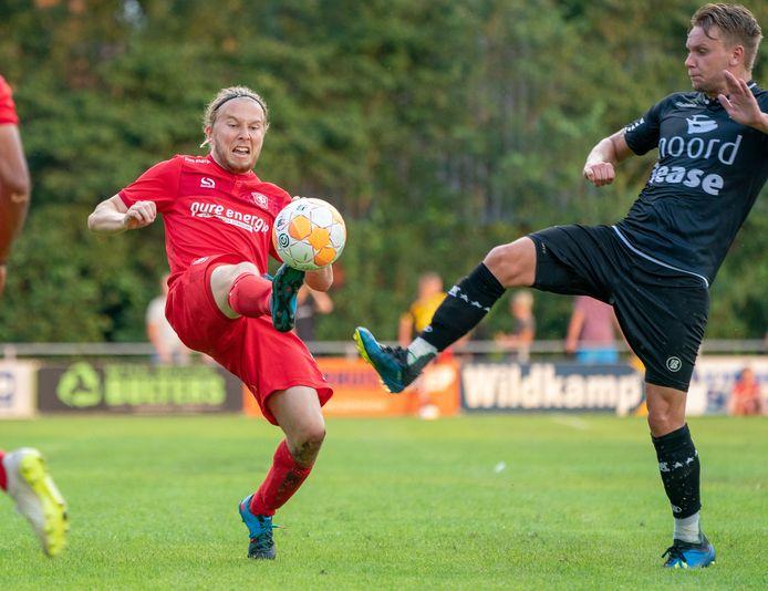 Jeroen van der Lely maakte zijn rentree bij FC Twente.