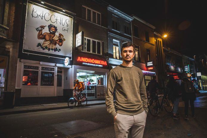Aaron Beckers heeft op zijn 19e al een eigen zaak in de Overpoort.
