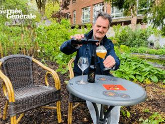 """Patrick Van Gompel drinkt zijn Tripel 888 dit weekend op het terras van café Chaos: """"Groene oase midden in de stad"""""""