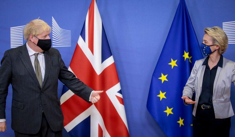 Brits premier Boris Johnson en Europees Commissievoorzitter Ursula von der Leyen. Beeld EPA