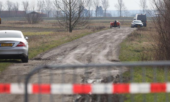De weg langs het kanaal tussen Sluis en Retranchement waar Ichelle gevonden is.