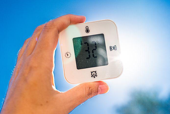 D'après l'IRM, les températures grimperont le plus en Flandre, où une journée d'intense chaleur (jusqu'à 32 degrés) est annoncée mercredi en province d'Anvers ainsi qu'une vague de chaleur jusqu'à vendredi dans le Limbourg.