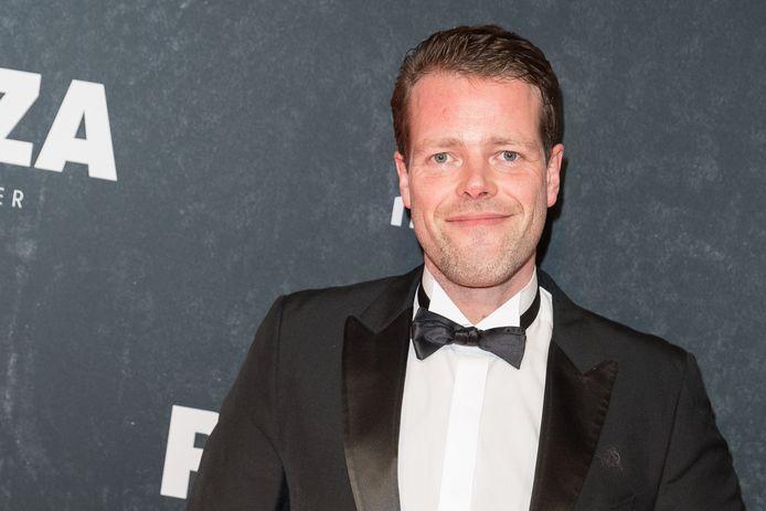 Martijn Koning is stand-upcomedian, cabaretier, columnist en tekstschrijver.