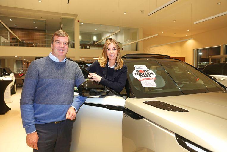 Zaakvoerders Ivo Van Vaerenbergh en Micheline Heymans van de Land Rover-garage.