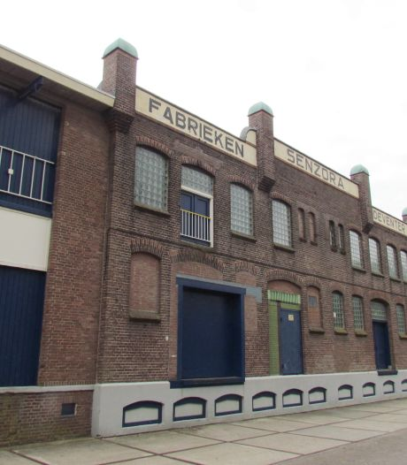 Politie beëindigt illegaal coronafeest in oude Senzorafabriek in Deventer