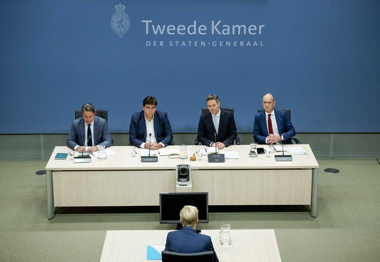 De parlementaire ondervragingscommissie aan het werk in februari, met achter de tafel de leden Edgar Mulder (PVV), Niels van den Berge (GroenLinks), voorzitter Michel Rog (CDA) en Gert-Jan Segers (ChristenUnie). Beeld ANP