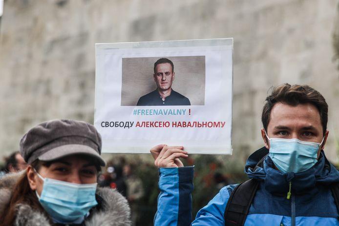 Betogers eisen de vrijlating van Kremlin-criticus Aleksej Navalny.
