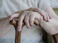 Hoe je door seniorenhuisvesting het woningprobleem kunt oplossen