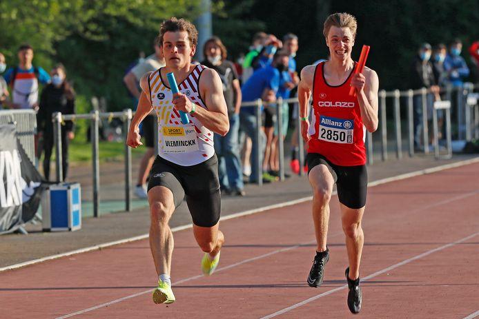 Niels Kerkhofs (rechts) in actie met de 4x100m-ploeg op de IFAM.