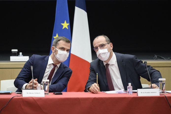 Le Premier ministre français Jean Castex aux côtés de son ministre de la Santé Olivier Véran.