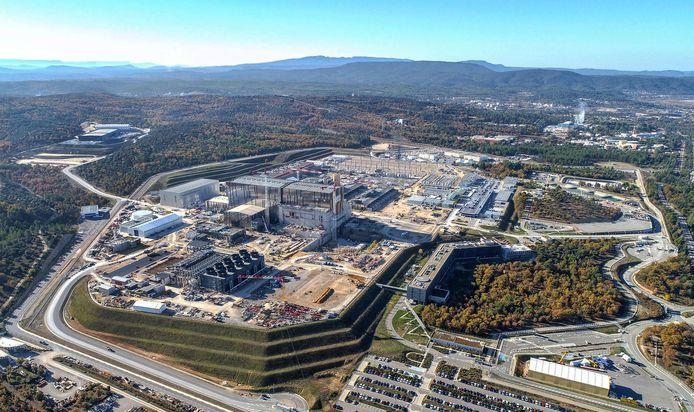 Luchtfoto van de Iter (International Thermonuclear Experimental Reactor) in aanbouw.