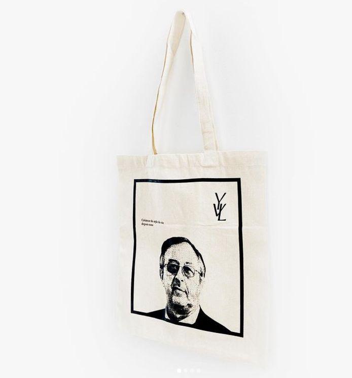 Le tote bag YVL (Yves Van Laethem) est disponible en précommande au tarif de 8 euros