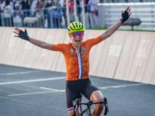 """""""Je pensais avoir gagné"""": Annemiek Van Vleuten lève les bras, puis déchante"""