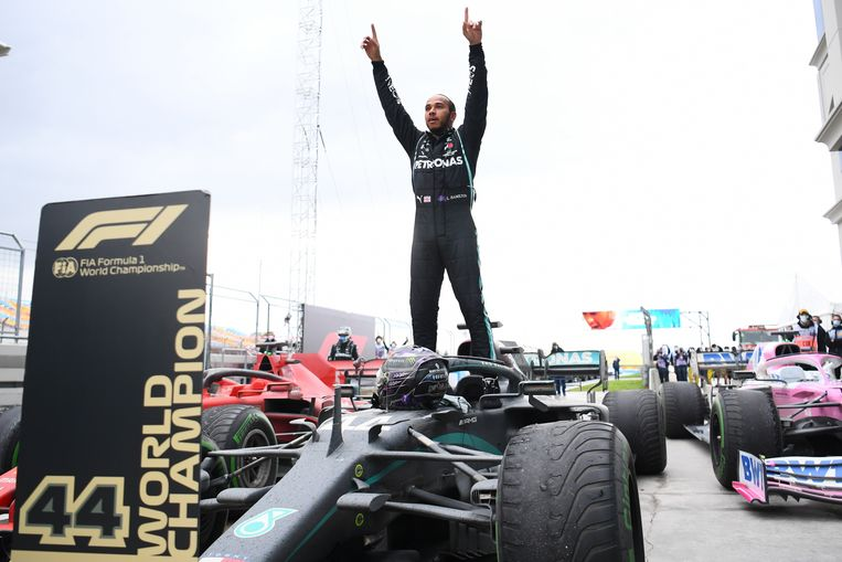 Lewis Hamilton wint op het circuit van Istanbul zijn zevende wereldtitel in de Formule 1. Beeld EPA