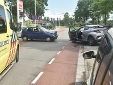 Twee auto's botsen op elkaar in Terneuzen