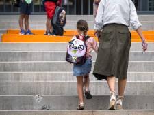 Weer naar school: 'Wees in eerste schoolweek niet te streng'