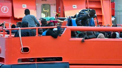 Spanje redt 141 migranten van zee