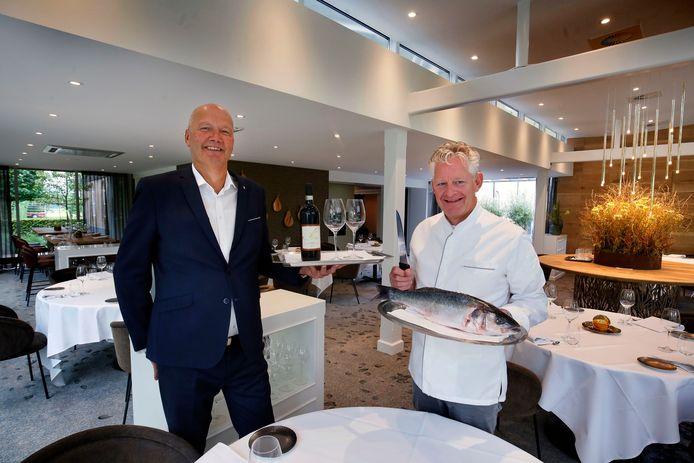 Gastheer Danny Dwarswaard en chefkok René Tichelaar van de Gieser Wildeman.