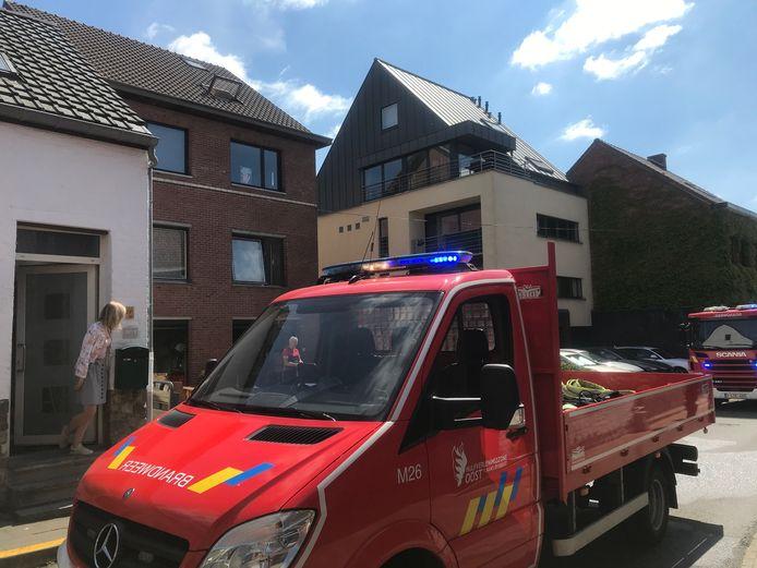 De brand ontstond in een kelderverdieping van een appartementsgebouw langs de Wilselsesteenweg.