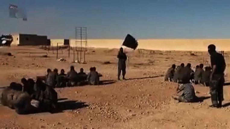 Still uit een video van een trainingskamp van IS op een onbekende locatie. Beeld null